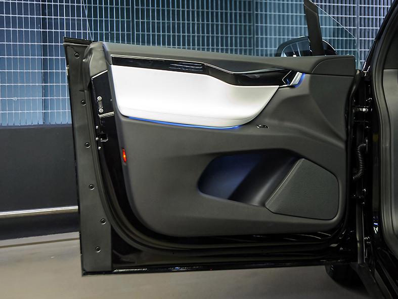 Tesla Model X Founder Edition P100dl 5dr Sux Nuvola London